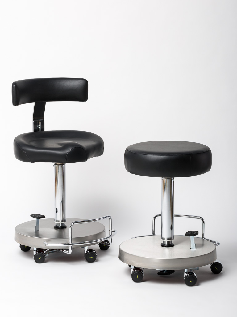 Operating theatre rolling swivel chair